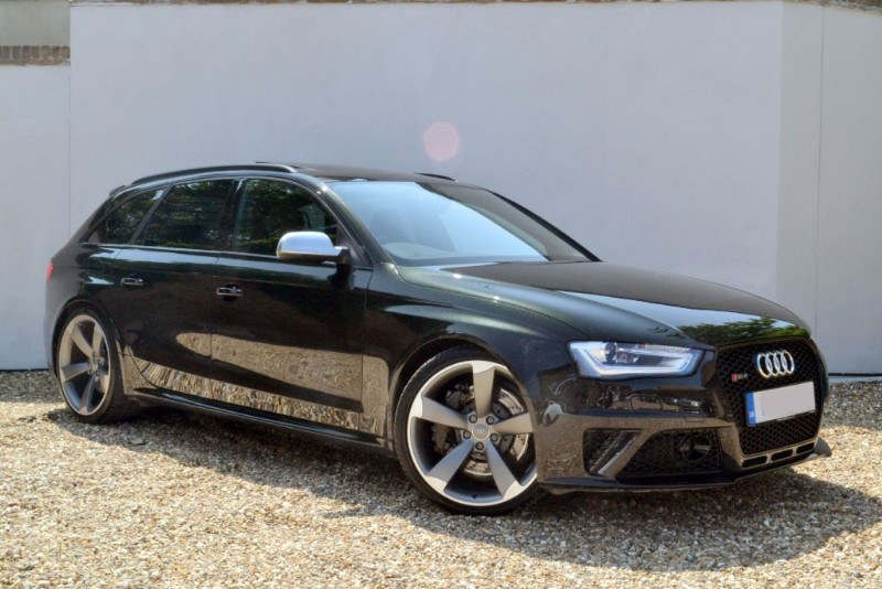 used Audi RS4 Avant FSI 450 quattro. Sport pack, panoramic sunroof in buckinghamshire