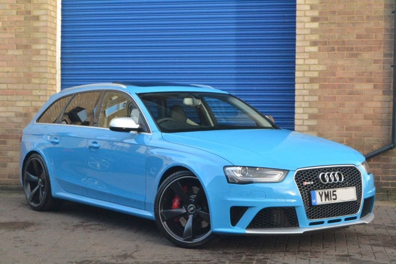 used Audi RS4 Avant FSI quattro 450PS Limited Edition. Exclusive Porsche Riviera Blue in buckinghamshire