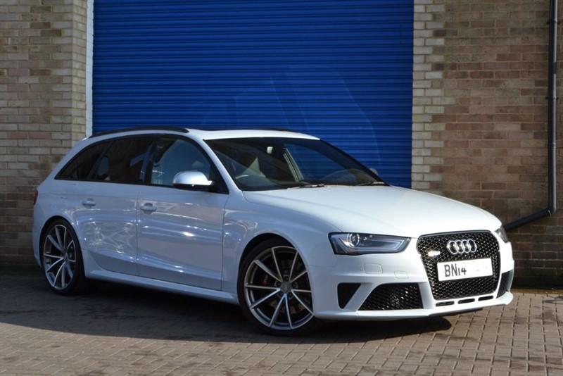 used Audi RS4 Avant FSI quattro 450PS. Pan roof, Sport pack, Black styling in buckinghamshire