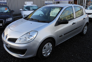 Drive away with this used Renault Clio from our West Midlands showroom