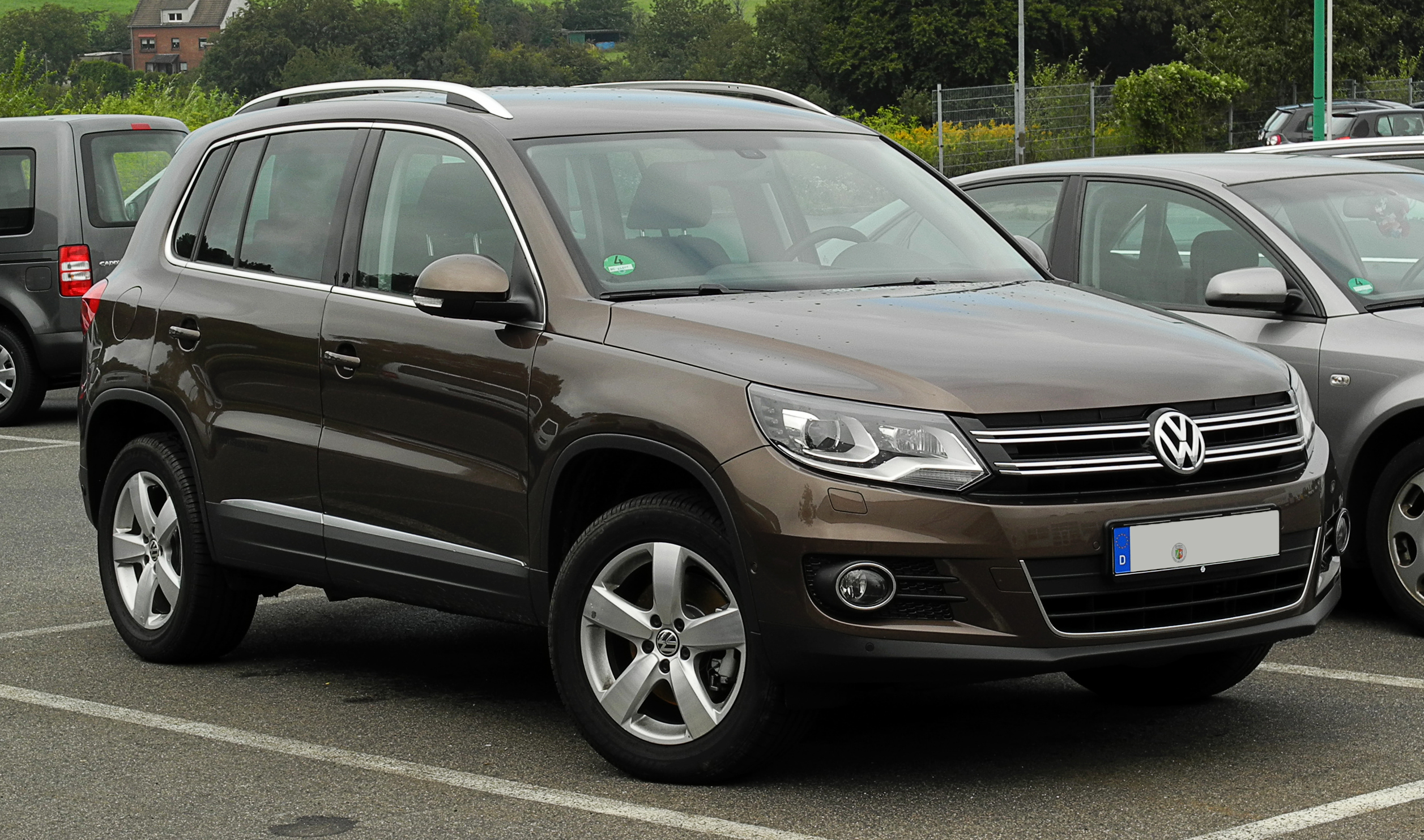 VW Tiguan in brown