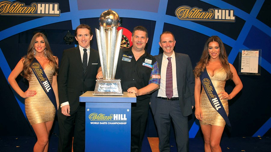 Gary Anderson Wins PDC World Darts Champion Trophy