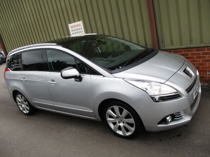 Used Metallic Silver Peugeot 5008 For Sale Berkshire