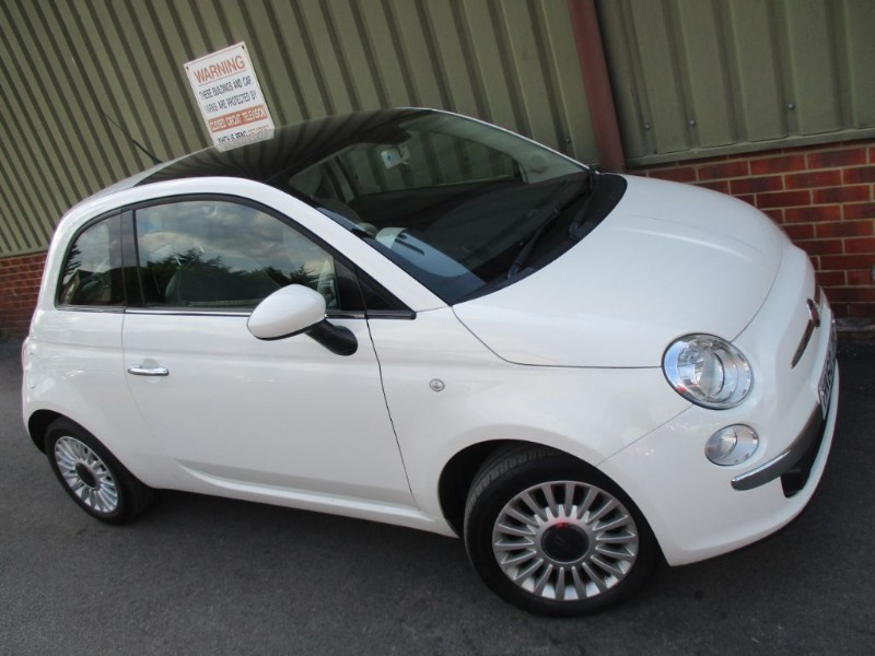 used Fiat 500 LOUNGE Pano + BlueTooth in wokingham-berkshire
