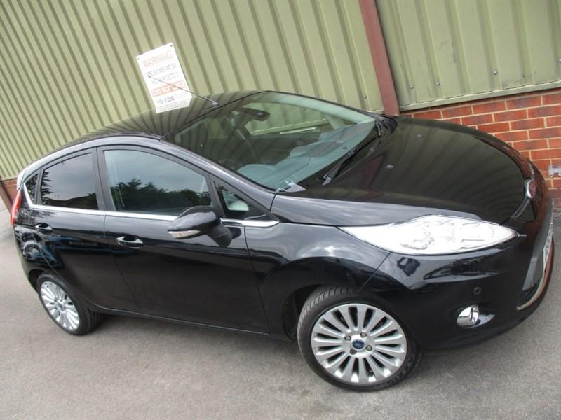 used Ford Fiesta TITANIUM in wokingham-berkshire
