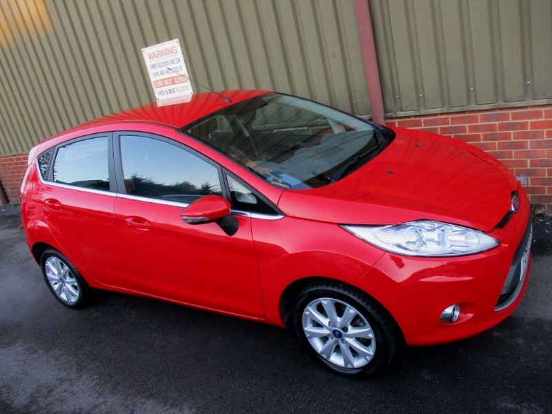 used Ford Fiesta ZETEC in wokingham-berkshire