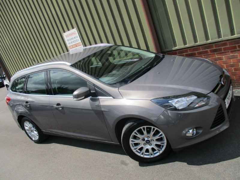 used Ford Focus TITANIUM in wokingham-berkshire
