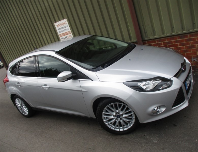 used Ford Focus ZETEC TDCI 5 Door in wokingham-berkshire