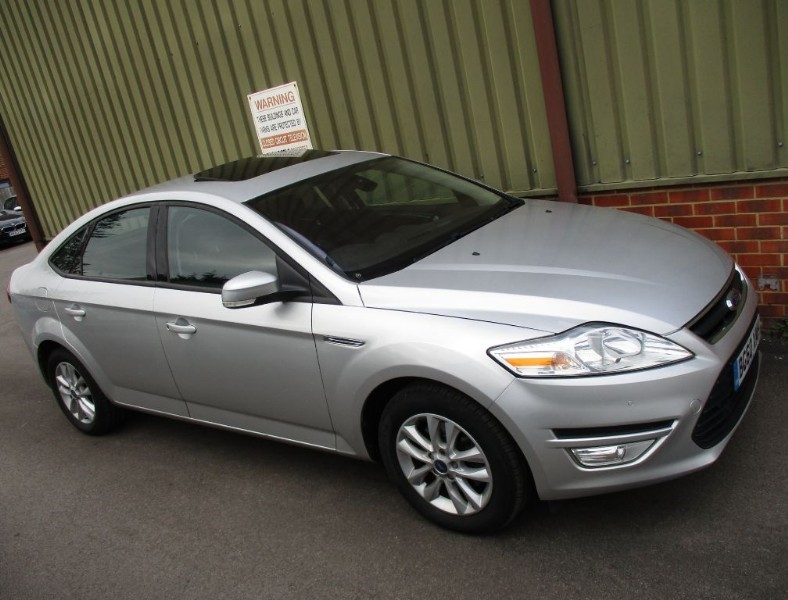used Ford Mondeo ZETEC TDCI in wokingham-berkshire