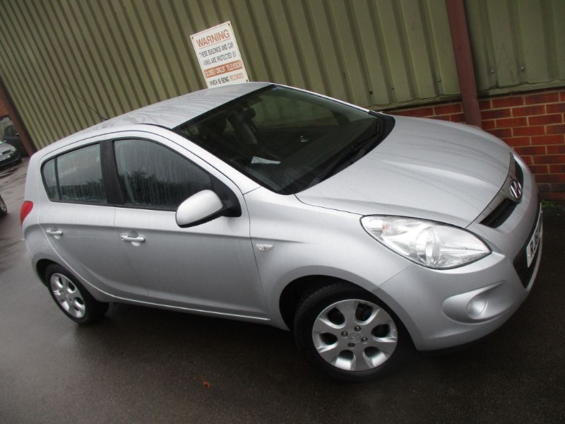 used Hyundai i20 COMFORT 5 Door A/C in wokingham-berkshire