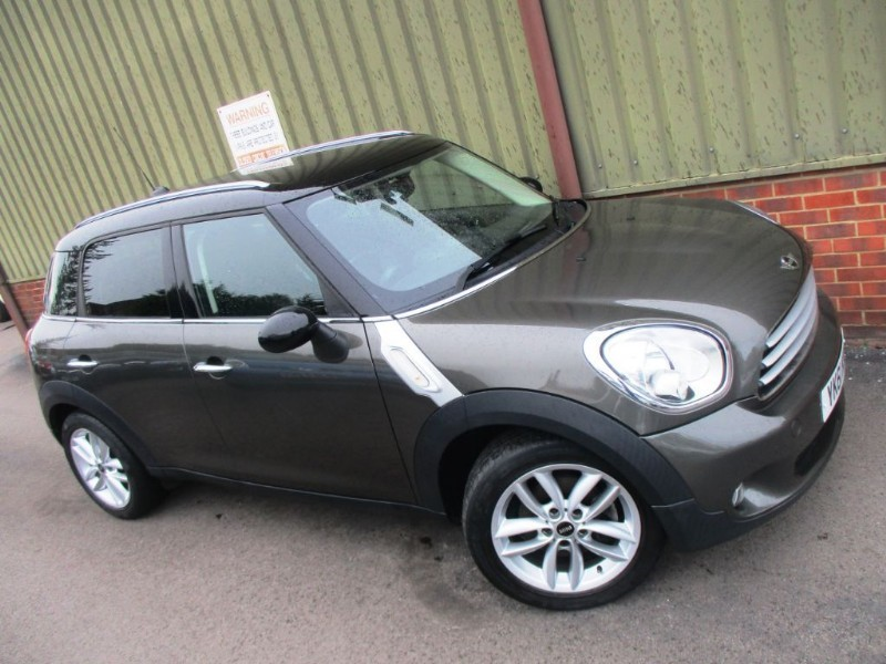 used MINI Countryman COOPER 1.6 Chili Pack in wokingham-berkshire