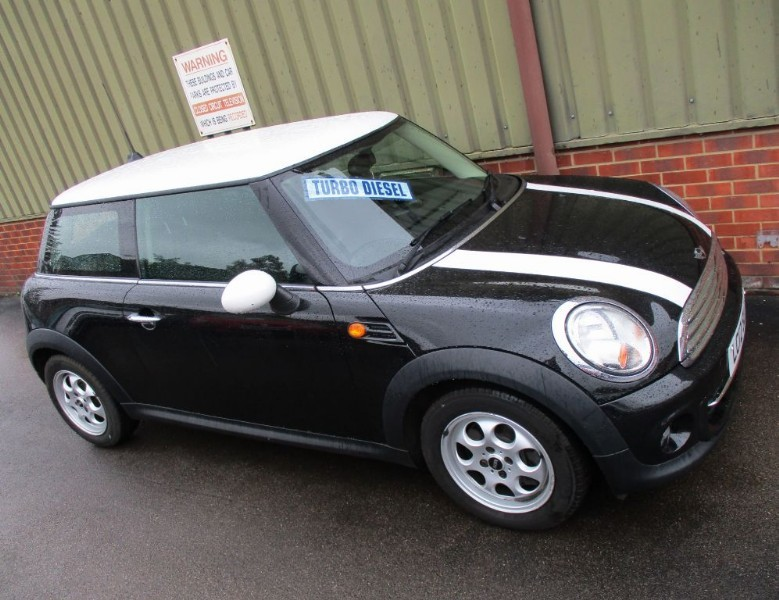used MINI Hatch COOPER D SatNav in wokingham-berkshire