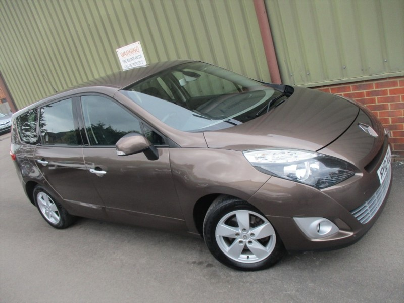 used Renault Scenic GRAND DYNAMIQUE TCE in wokingham-berkshire