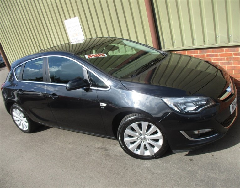 used Vauxhall Astra ELITE Automatic 5 Door in wokingham-berkshire