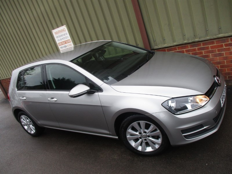 used VW Golf SE TDI 5 Door BLUEMOTION TECH in wokingham-berkshire