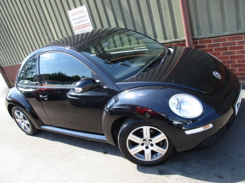 used VW Beetle LUNA 16V in wokingham-berkshire