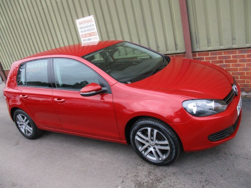 used VW Golf SE TDI DSG 5 Door in wokingham-berkshire