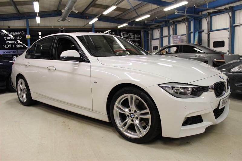 used BMW 330d M SPORT [SAT NAV / LEATHER / 1 OWNER] in basingstoke-hampshire