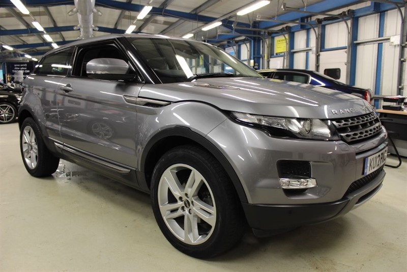used Land Rover Range Rover Evoque SD4 PURE TECH [SAT NAV / PANO ROOF / 19''S] in basingstoke-hampshire