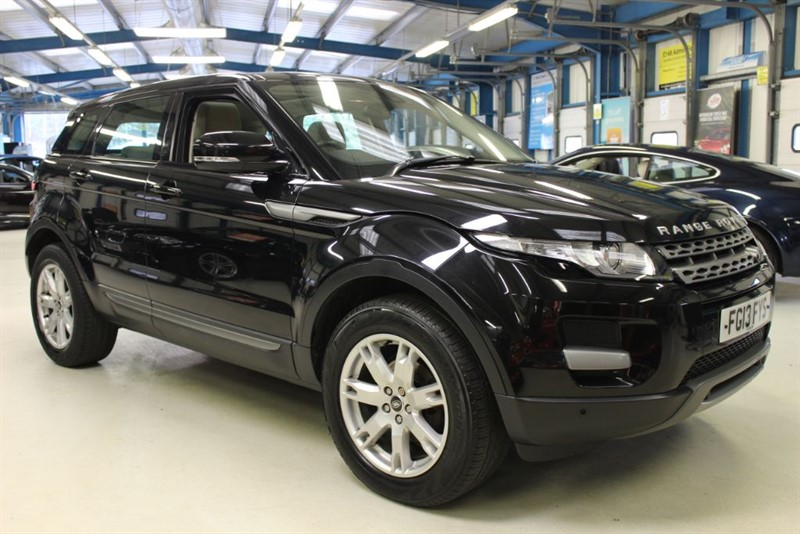 used Land Rover Range Rover Evoque SD4 PURE TECH [1 OWNER /PANO ROOF/NAV/LEATHER] in basingstoke-hampshire