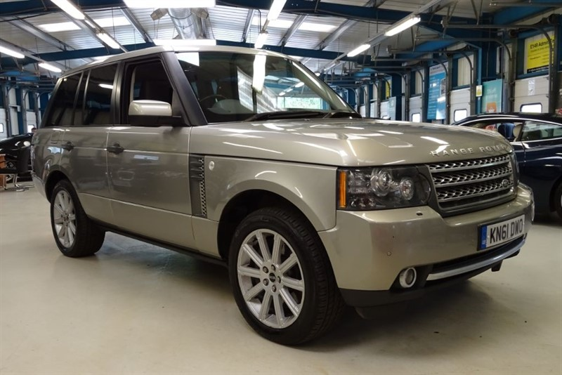 used Land Rover Range Rover TDV8 VOGUE SE [NAV/TV / SUNROOF / REAR CAMERA] in basingstoke-hampshire