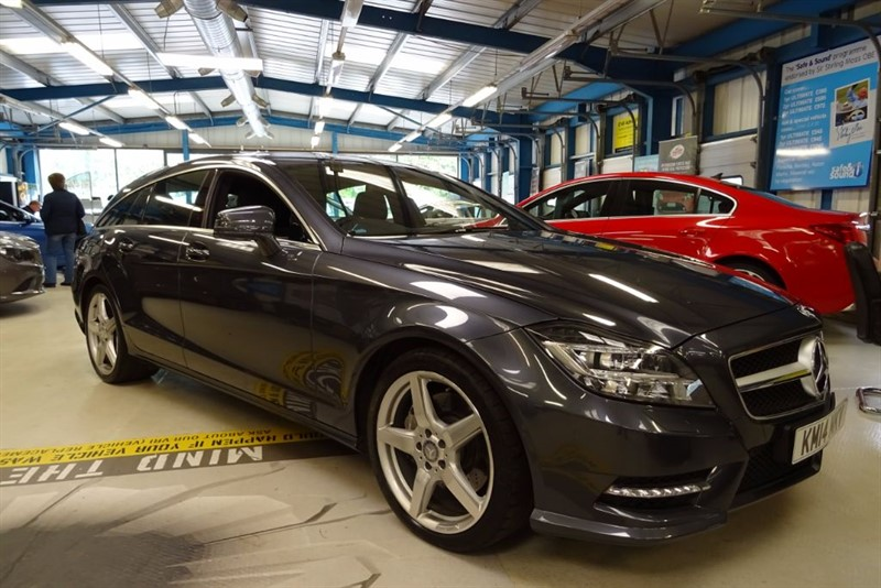 """used Mercedes CLS CLS350 CDI BLUEEFFICIENCY AMG SPORT [NAV / LEATHER / DAB / 19"""" AMG] in basingstoke-hampshire"""