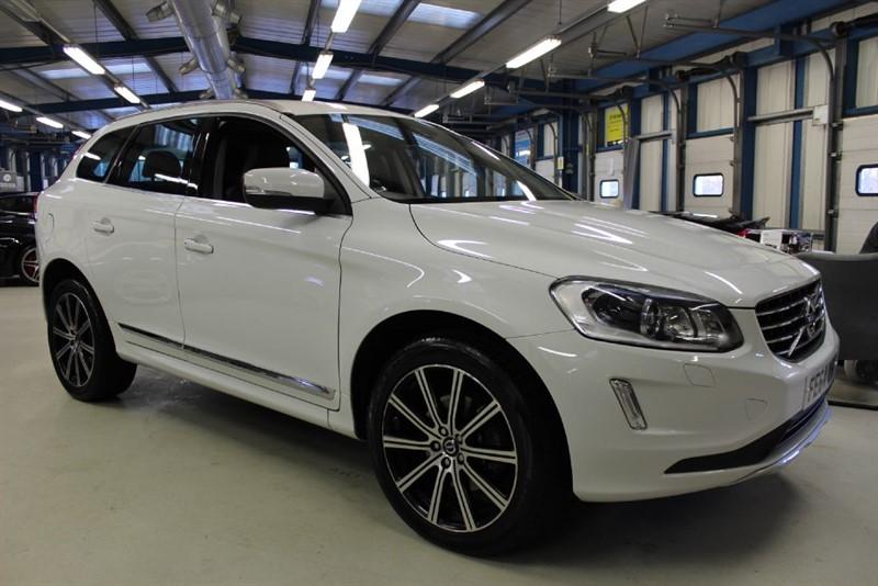 used Volvo XC60 D5 SE LUX NAV AWD [SAT NAV / LEATHER / DAB RADIO] in basingstoke-hampshire