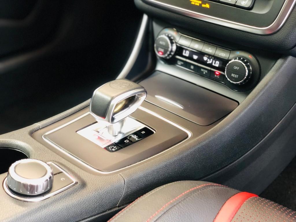 Mercedes GLA45