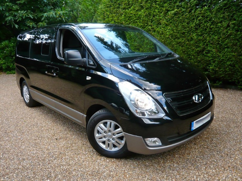 used Hyundai i800 SE CRDI 136 8 Seater in epsom-surrey