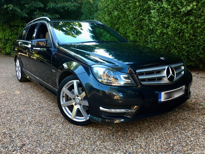 used Mercedes C220 CDI BLUEEFFICIENCY SPORT in epsom-surrey