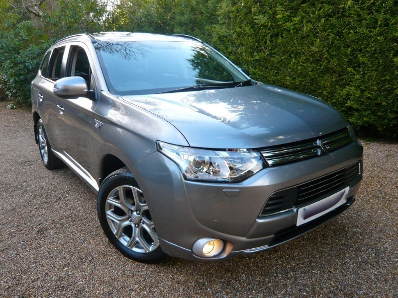 used Mitsubishi Outlander PHEV GX 4H in epsom-surrey