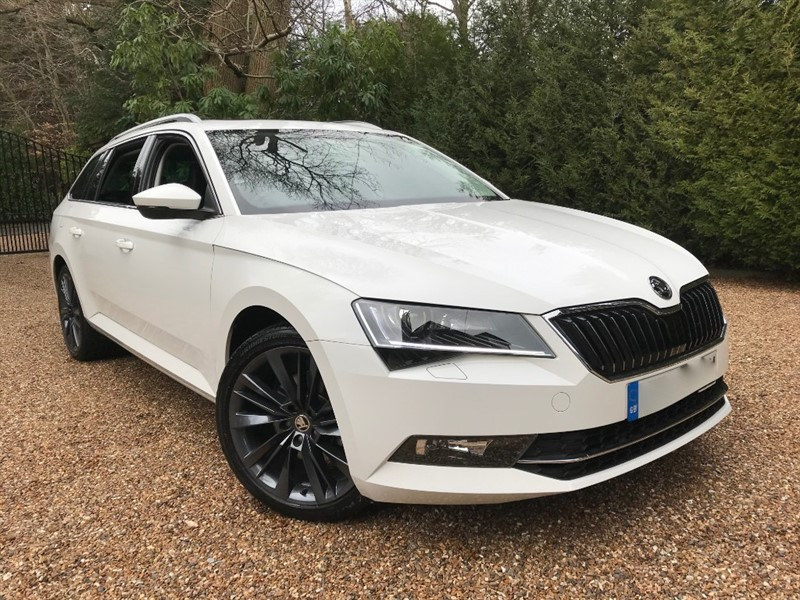 used Skoda Superb SE L EXECUTIVE TSI DSG BLACK EDITION in epsom-surrey