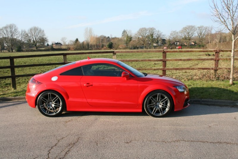 used Audi TT TFSI QUATTRO BLACK EDITION (SAT NAV & LEATHER) in aldershot-hampshire