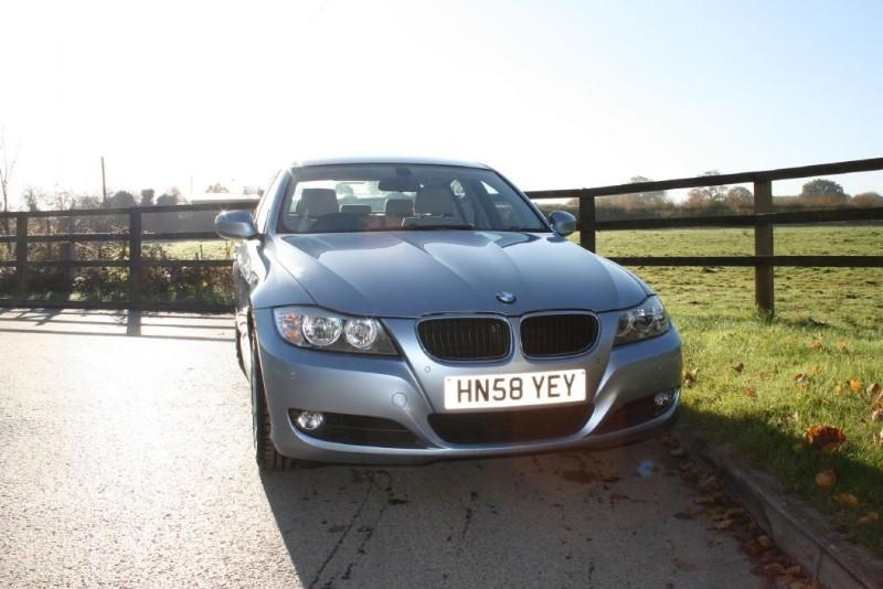 used BMW 320i SE in aldershot-hampshire