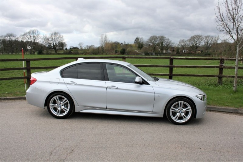 used BMW 320i M SPORT ( 1 OWNER/SAT NAV/REV CAMERA) in aldershot-hampshire