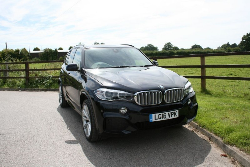 used BMW X5 XDRIVE40D M SPORT ( SEVEN SEATS/BIG SPEC) in aldershot-hampshire