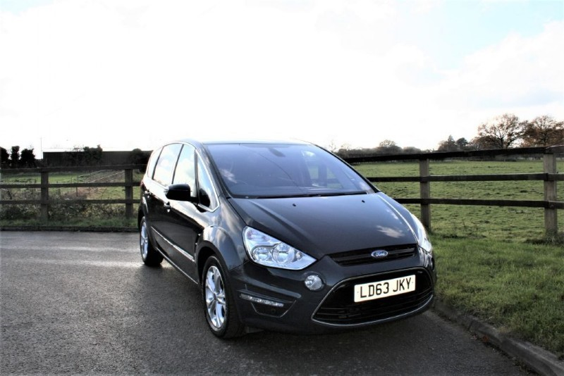 used Ford S-Max TITANIUM TDCI in aldershot-hampshire