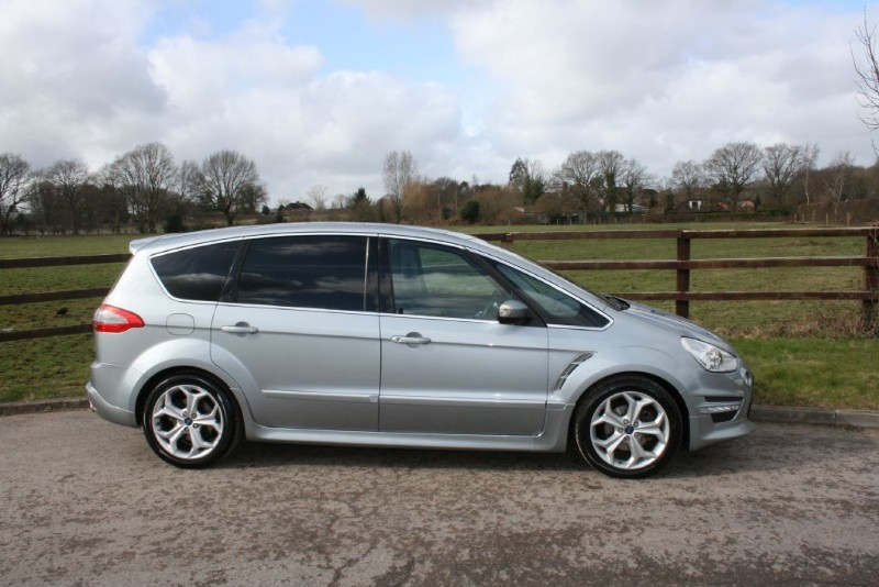used Ford S-Max TITANIUM X SPORT TDCI(pano roof/ manual/7 seats) in aldershot-hampshire
