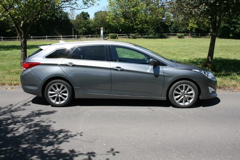 used Hyundai i40 CRDI STYLE in aldershot-hampshire