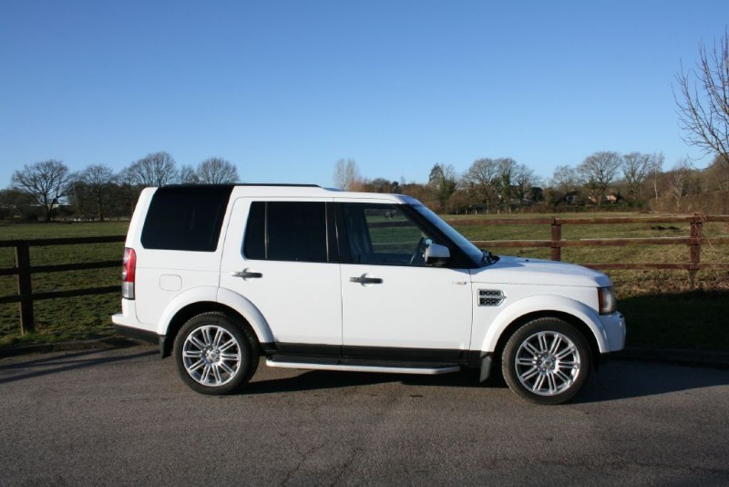 used Land Rover Discovery 4 SDV6 HSE(sat nav/7 seats/ triple roofs/rev camera) in aldershot-hampshire