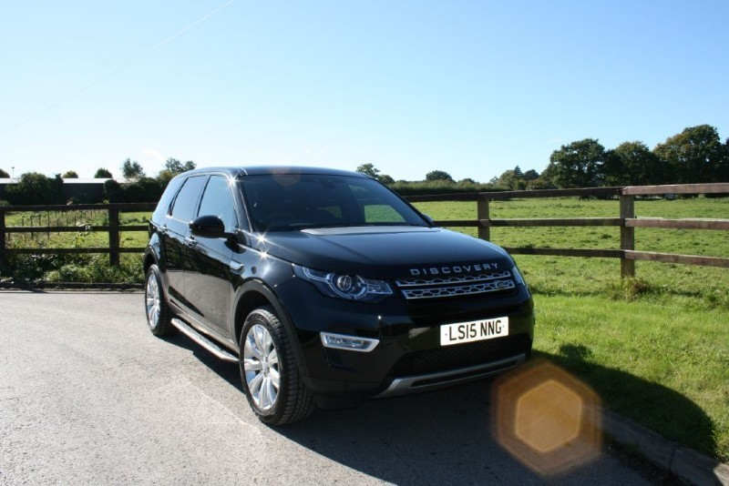used Land Rover Discovery Sport SD4 HSE LUXURY( PANO ROOF, SAT NAV, 7 SEATS, REV CAMERA + MORE FEATURES) in aldershot-hampshire