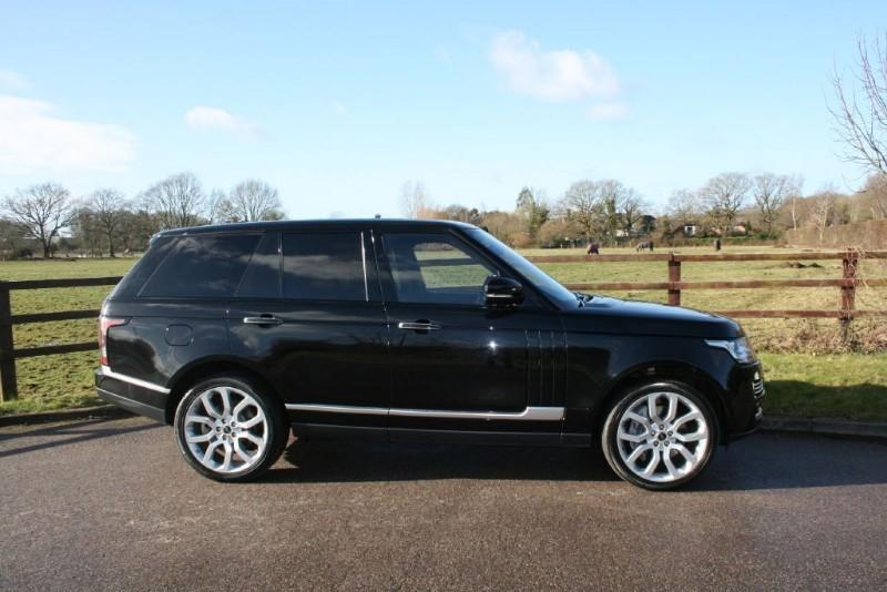 used Land Rover Range Rover VOGUE SE SDV8 4.4 in aldershot-hampshire