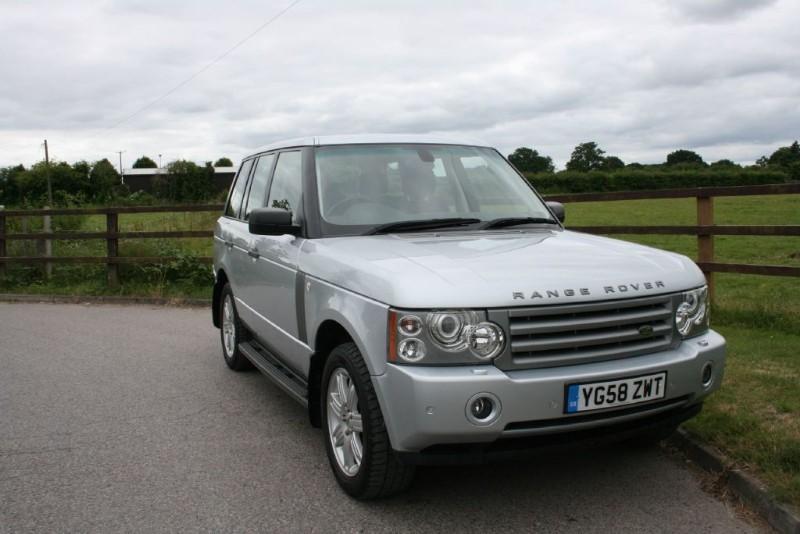 used Land Rover Range Rover TDV8 VOGUE in aldershot-hampshire