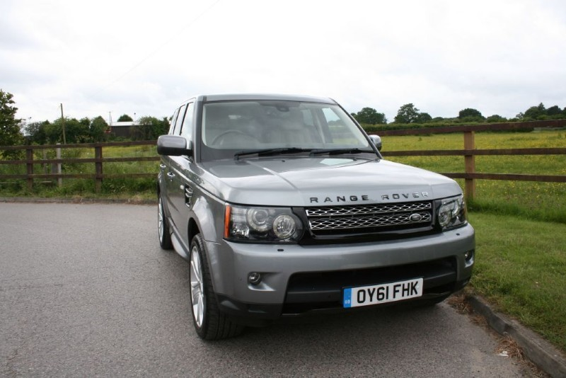 "used Land Rover Range Rover Sport SDV6 ""HSE LUXURY"" AUTOMATIC in aldershot-hampshire"
