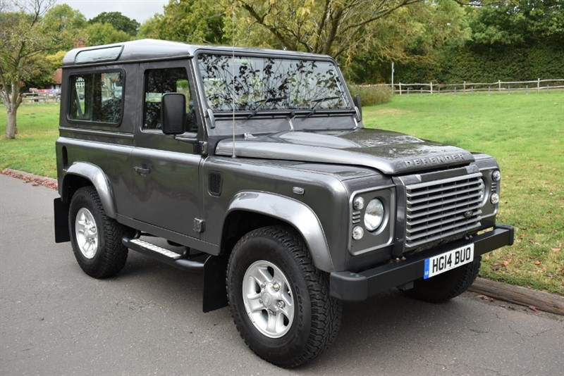 used Land Rover Defender TD XS STATION WAGON NEVER USED OFFROAD! in aldershot-hampshire