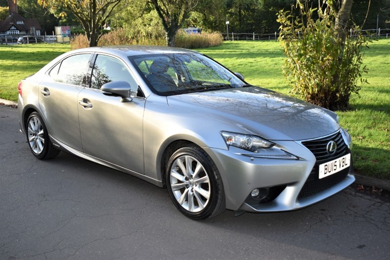 used Lexus IS 300h 300H ADVANCE in aldershot-hampshire
