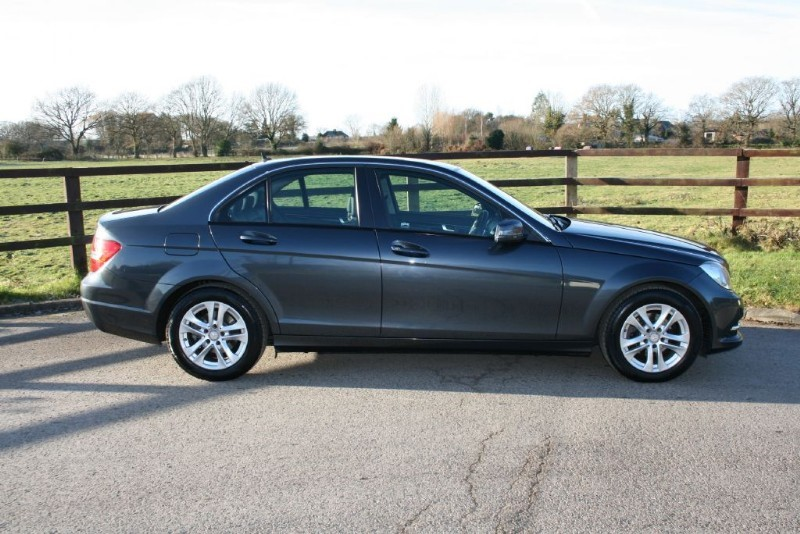 used Mercedes C180 BLUEEFFICIENCY EXECUTIVE SE in aldershot-hampshire
