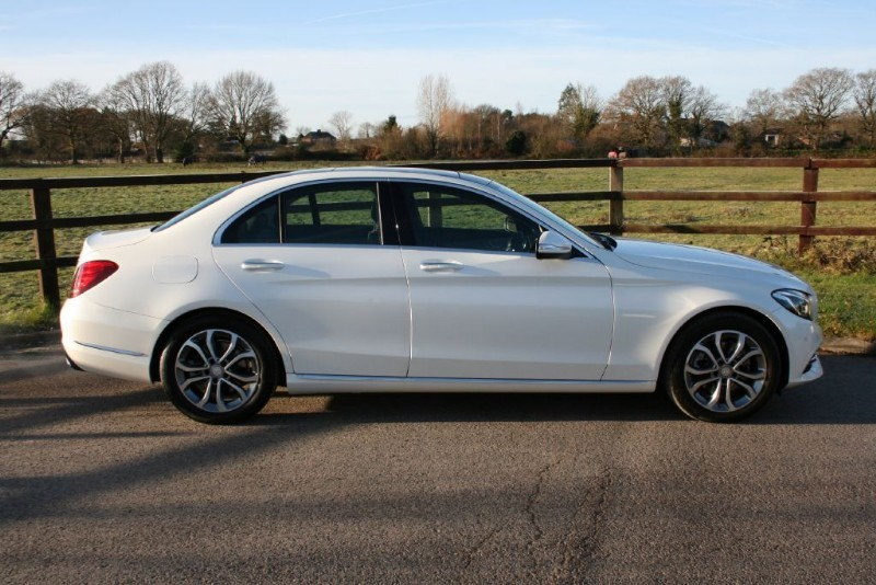 used Mercedes C220 BLUETEC SPORT PREMIUM PLUS(HEAD UP DISPLAY/SAT NAV/ PANO ROOF) in aldershot-hampshire
