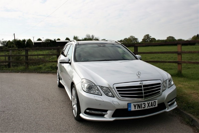 used Mercedes E220 CDI BLUEEFFICIENCY S/S SPORT(OPENING PANO ROOF) in aldershot-hampshire