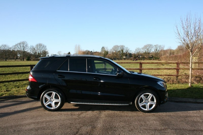 used Mercedes ML250 BLUETEC AMG LINE PREMIUM( PANO ROOF/SAT NAV/REVERSE CAMERA) in aldershot-hampshire